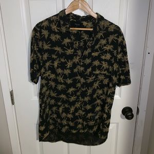 Rolla's short sleeve button up Size L